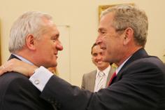 Ag lorg \'start\' úr - George Bush agus Bertie Ahern